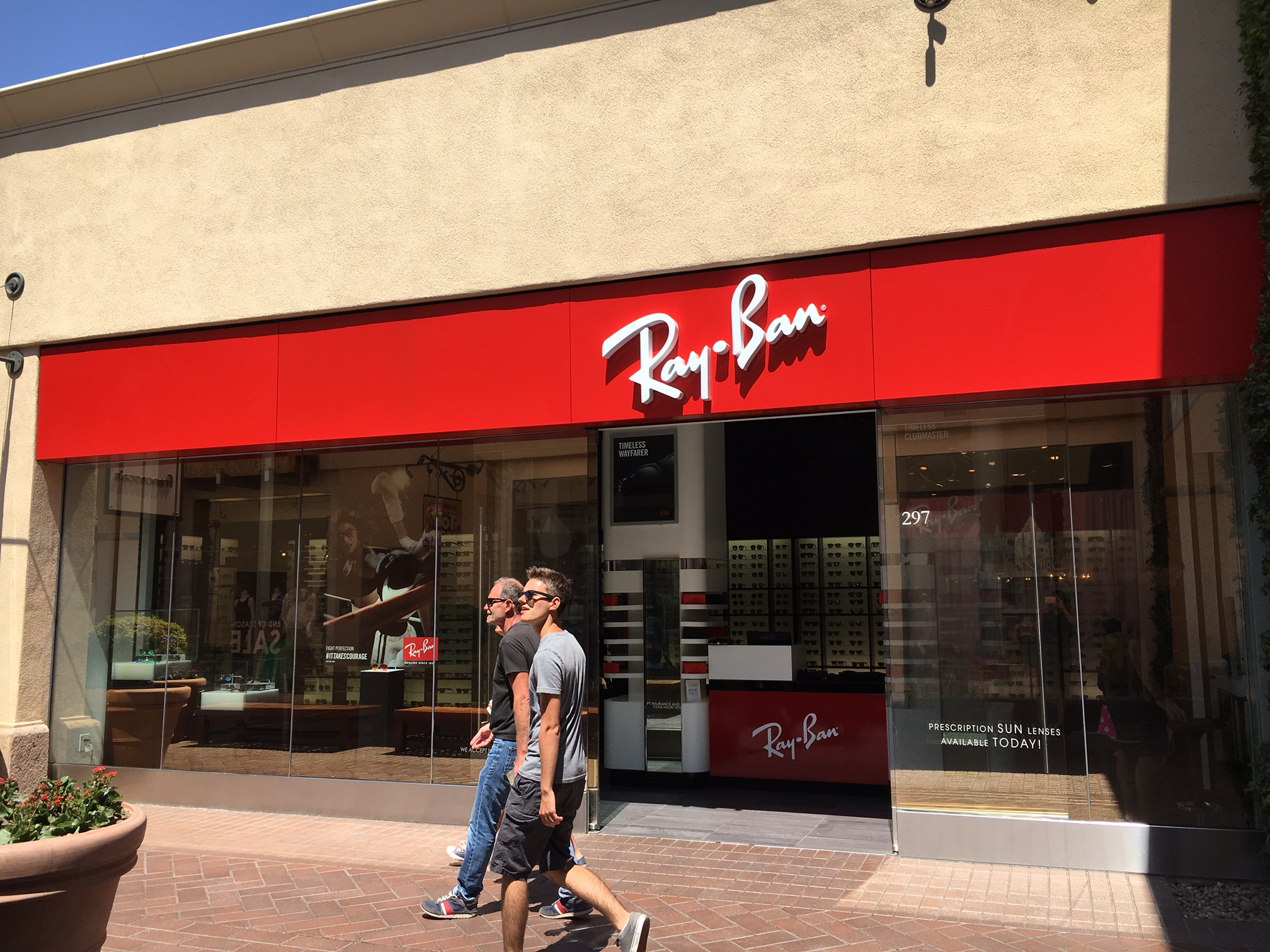 ray ban sunglasses outlet los angeles