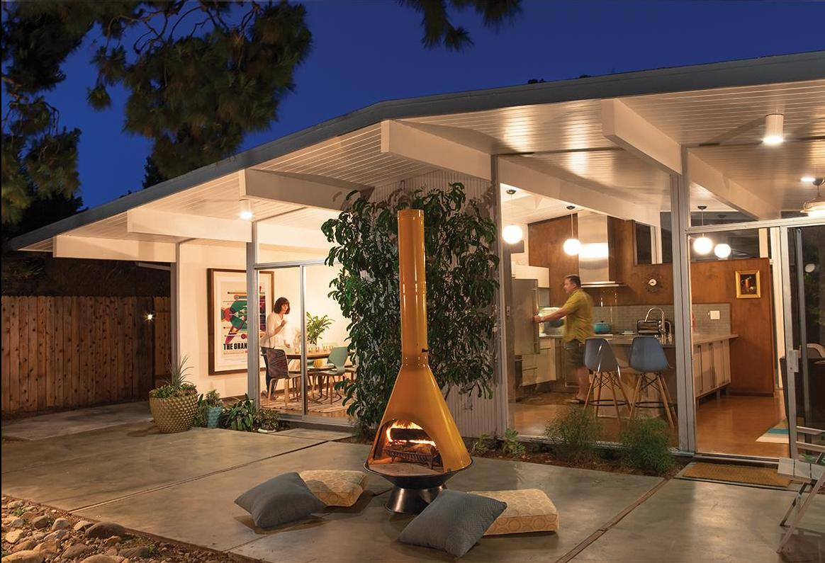 See these mid century modern eichler homes come to life for Mid century modern home builders