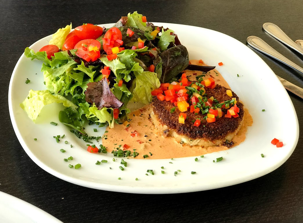 Why Tupelo Junction Cafe's Fried Chicken Salad is the Best ...
